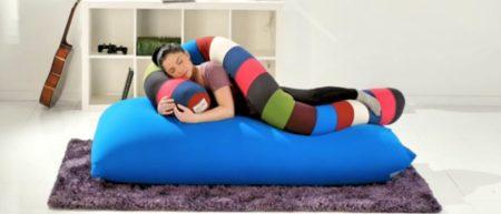 Yogibo Caterpillar 抱き枕
