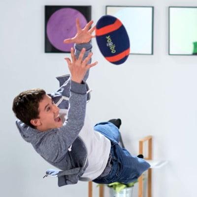 家の中でも遊べる柔らかいボール「ヨギボーフットボール」