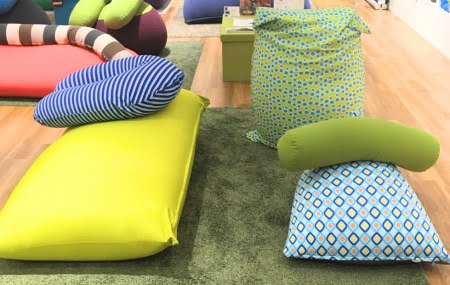 ズーラヨギボーのソファーカバーの色