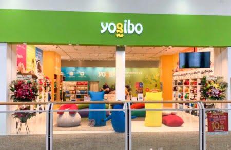 人をダメにするビーズソファを販売するYogibo Store イオンモール木曽川店