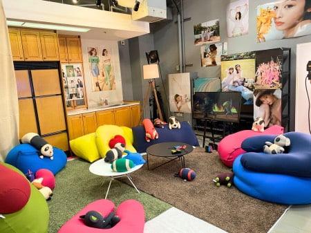 ViVi Fes LIVEの控え室にあるヨギボーソファ