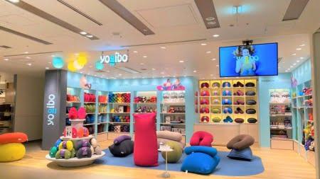 Yogibo Store ルクア大阪店の店舗の様子