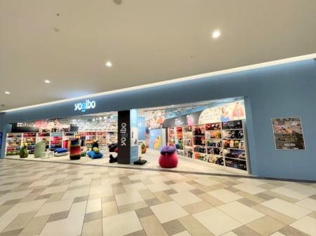 沖縄県のヨギボー店舗Yogibo Store 浦添 PARCO CITY店の様子