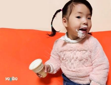 ヨギボーソファは水に汚れに強く子供や赤ちゃんにもぴったり